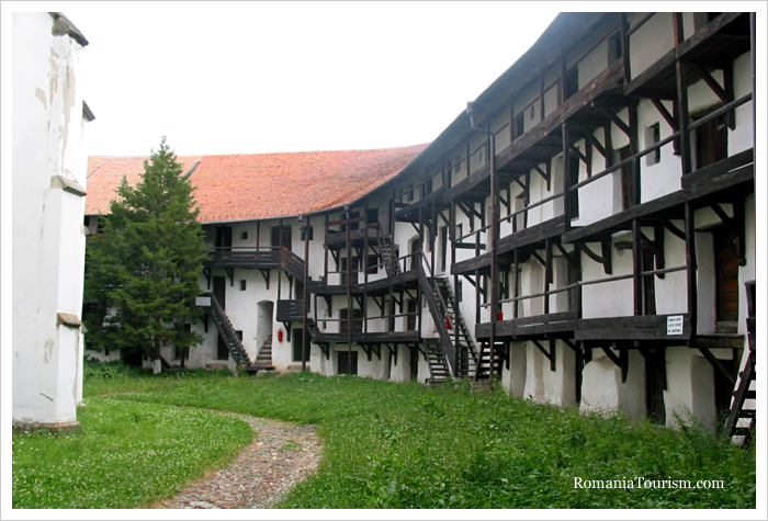 Castles and Fortresses of Romania: Prejmer / Interior / Courtyard