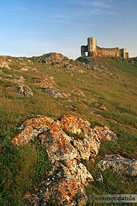 'Enisala Fortress - Dobrogea Romania' from the web at 'http://romaniatourism.com/images/cosmin-danila/danube-delta-enisala-200.jpg'