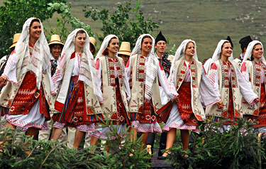 Popular Costumes - Arges Area